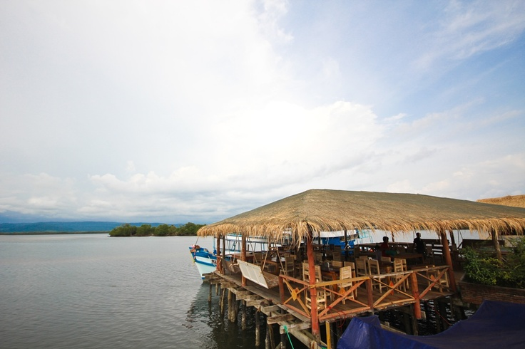 Thmorda Crab House - Overwater restaurant serving fresh seafood, Koh Kong, Cambodia
