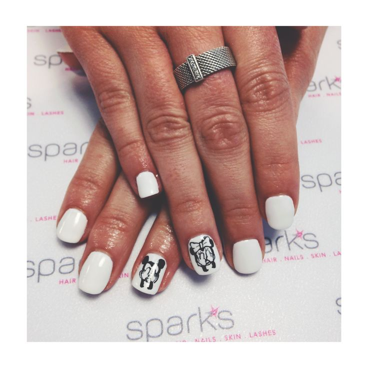 Mickey and Minnie mouse nail art  |   #nailart #nails #naildesign #mickeymouse #minniemouse #sparkssalons