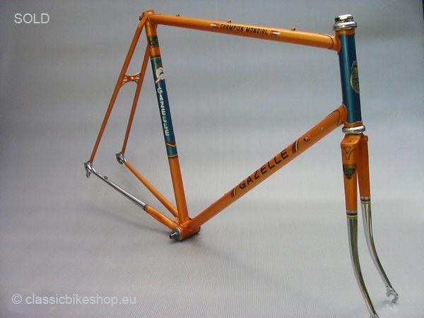 Gazelle Champion Mondial orange frame