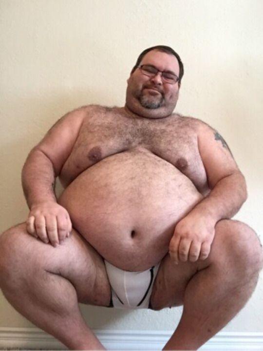 I love the muscular, thick, husky, stocky, chubby bear men ...