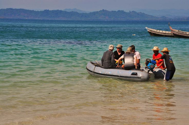 Visit Ngapali Beach and go on a boat trip with Thahara. We can organise boat trips from your hotel in Myanmar to nearby villages and islands. The perfect day trip from Ngapali Beach.