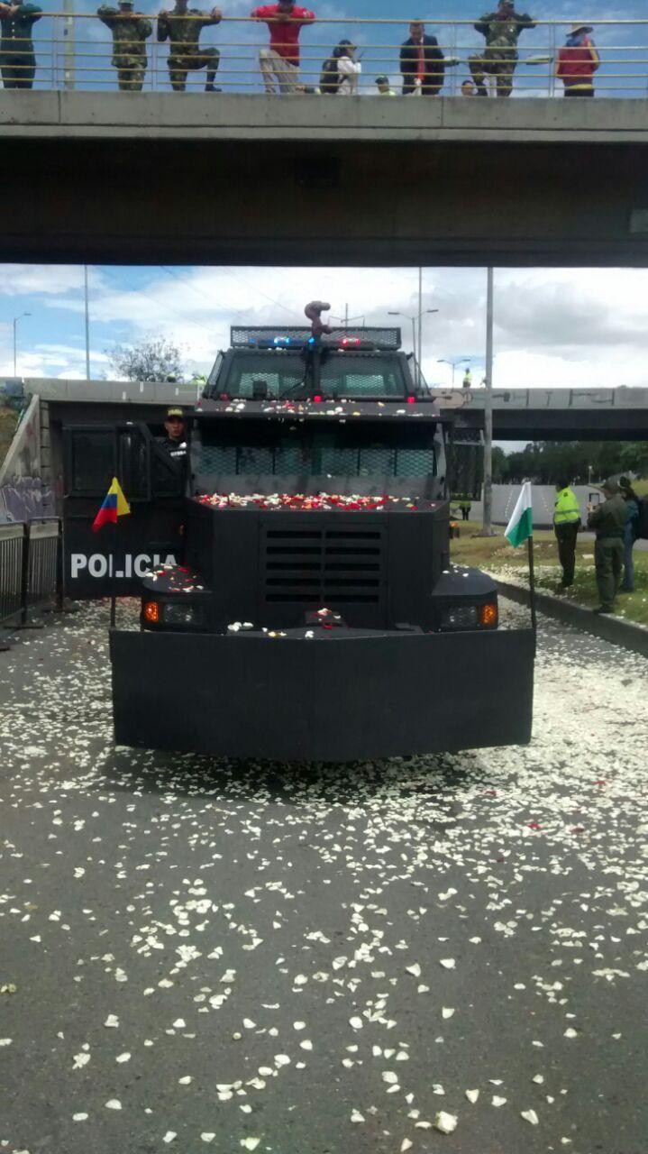 Los vehículos de control de disturbios. Desfile #20DeJulio #SomosColombia