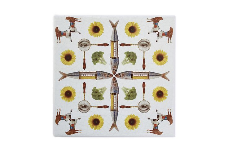 This ceramic tile tram is a very original, modern and decorative ceramic tile. It is 100% handmade and the design is crazy! This is a perfect decorative kitchen wall tile and an original and contemporary gift.