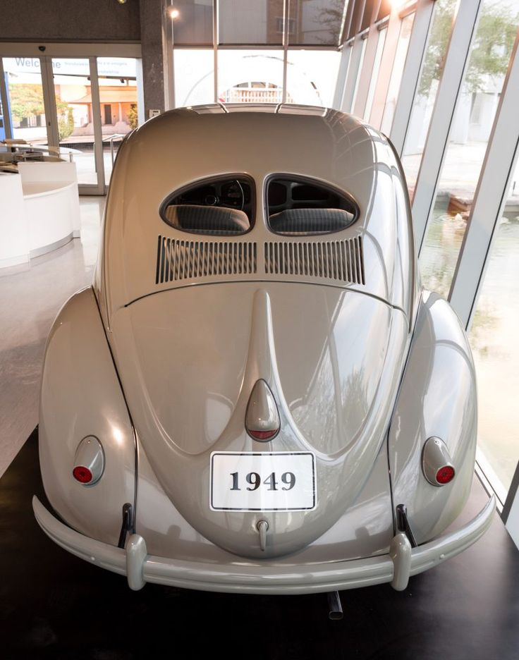 Classic VW - jan-the-1949-beetle-proudly-displayed-in-the-upgraded-volkswagen-autopavilion-2