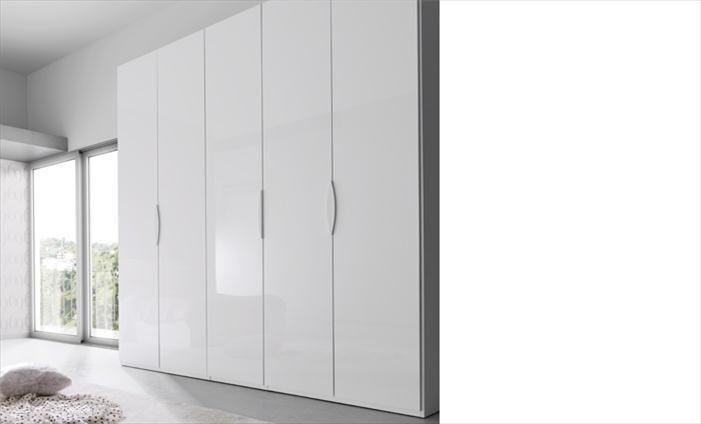 Armario slaap de cinco puertas batientes con una gran - Complementos para armarios ...