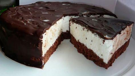 """Tortul """"Lapte de pasăre"""" are un gust fabulos, cu sufleu foarte gingaș și aerat, care se topește în gură. Acest tort se prepară foarte simplu și ușor și nu necesită un decor deosebit. Este suficient acoperirea tortului cu glazură de ciocolată și succesul vă este garantat. Acest detaliu îl diferențiază de celelalte torturi de casă și …"""