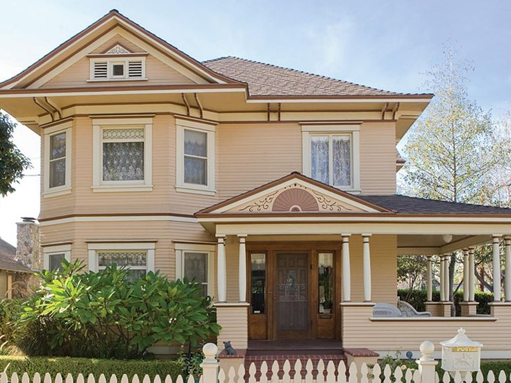 Classic Home Design With Various Color Ideas: 28 Inviting Home Exterior Color Ideas