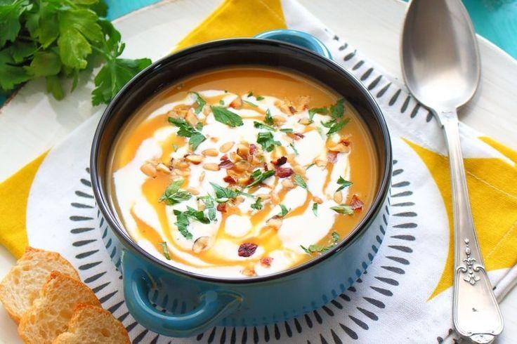 Soupe de Potiron, pommes de terre, noisettes et pignons de pins
