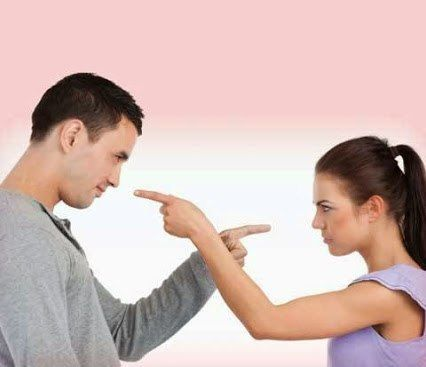 Жена мужу: — Мне столько денег надо! На эпиляцию, на маникюр, на педикюр, на мелирование, на косметику... Муж: — А мне повезло! Я сразу красивый родился)