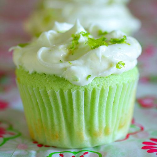 key lime pie cupcake...for momma!