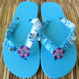 This summer craft can add entertainment to any sleepover or pool party as well as a personal style to a simple pair of flip flops!: Flipflops, Decorated Flip Flops, Craft Flip Flop, Flip Flops Diy, Flip Flop Fun, Decorate Flip Flops, Fun Crafts, Craft Ideas, Flip Flop Craft