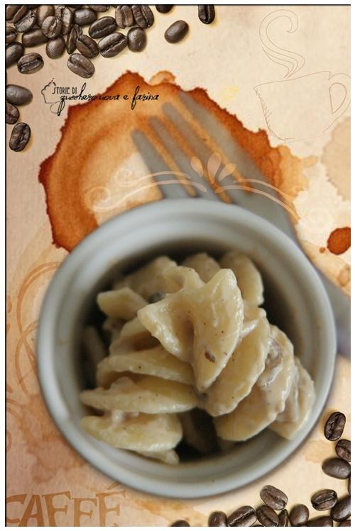 Fusilli con funghi e caffè