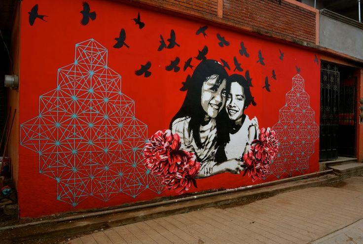 ¡Pintando la visión de #mifuturo deseado! #LaPiztola #stencil #isitia #streetart #art #streetartists #graffiti #FundacionORB #Oaxaca #streetartchilango