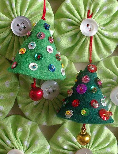 Adornos para el árbol de Navidad en fieltro | Aprender manualidades es facilisimo.com