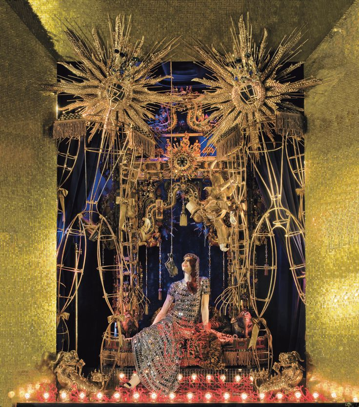Reason #38 why I dream about NYC: drooling over the spectacular Bergdorf Goodman window displays around the holidays.