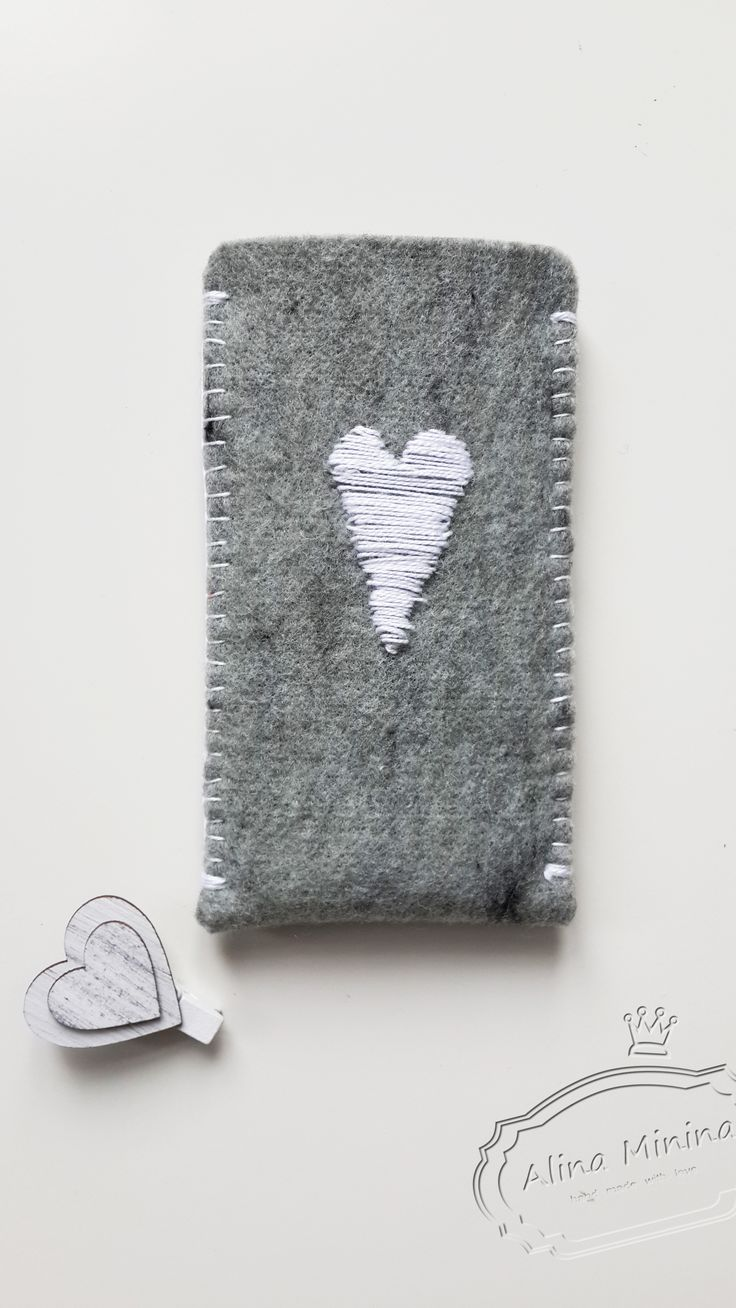 Covers phone from felt, Чехол на телефон из фетра, серый фетр, ручная работа Алины Мининой https://vk.com/alinaminina_toys