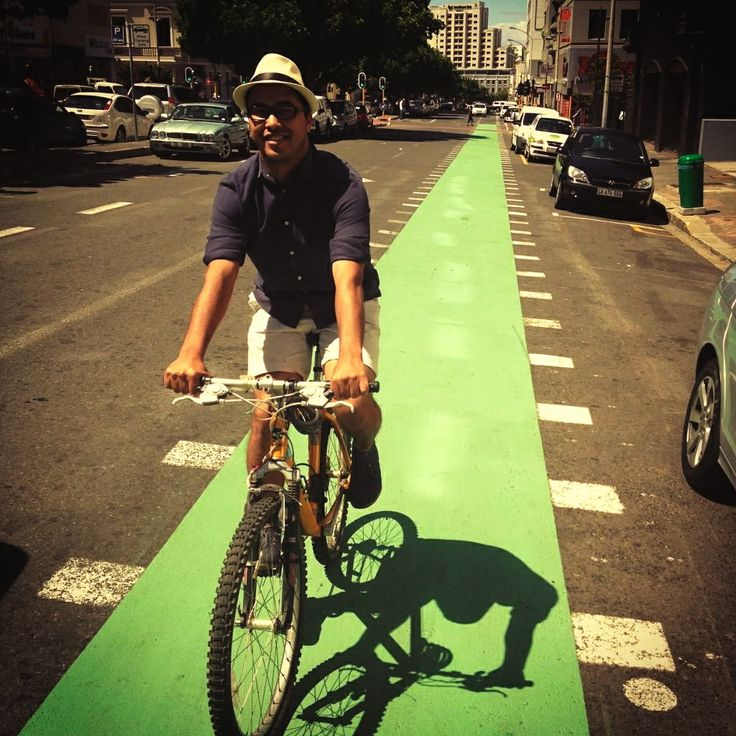 Green cycle lanes in Bree Street