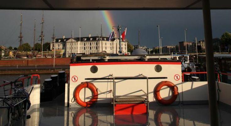 """HotelBoat Angeline, un ostello """"galleggiante"""" con vista su Amsterdam"""