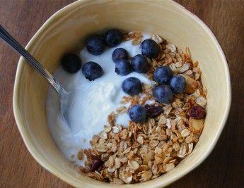 homemade Greek yogurtTasty Recipe, Glorious Food, Food Glorious, Food Ideas, Homemade Greek Yogurt, Breakfast, Homemade Yogurt, Eating Wellharm, Recipe Foodideas