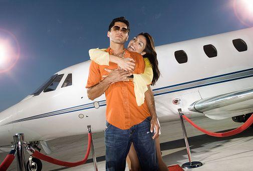 Знаменитости Пара Посадочные От Private Jet