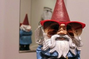 Read about the Roaming Gnome's signature travel style in his interview with Johnny Jet | #travelocity #johnnyjet #roaminggnome #style