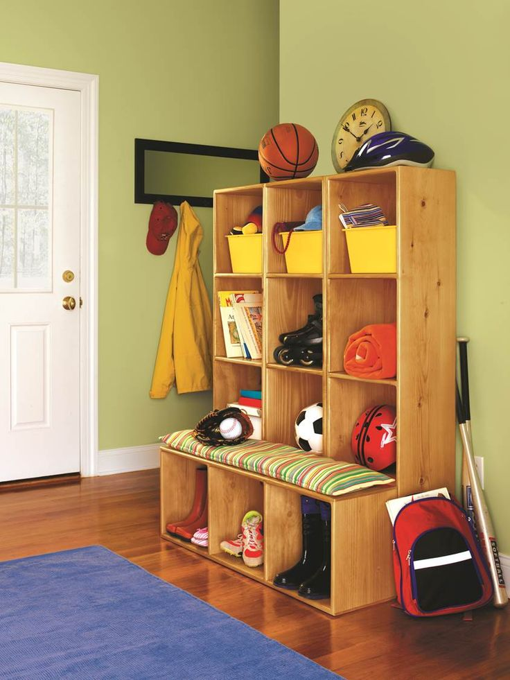 Mudroom Wall Storage Unit : Keep your kids and entryway organized this school year