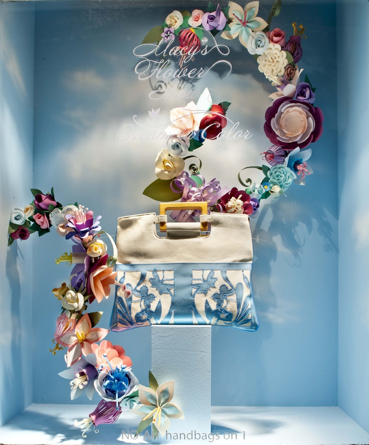 Macy's Window Display. #retail #merchandising #windowdisplay #floral