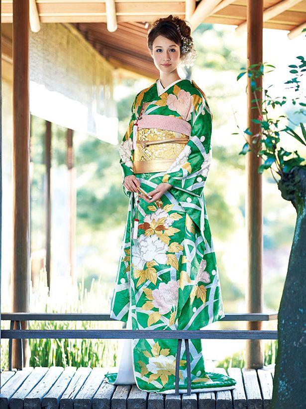 ハツコ エンドウ ウェディングス(Hatsuko Endo Weddings) 銀座店 朝露が降りたみずみずしい芝草のようすを文様化した露芝。