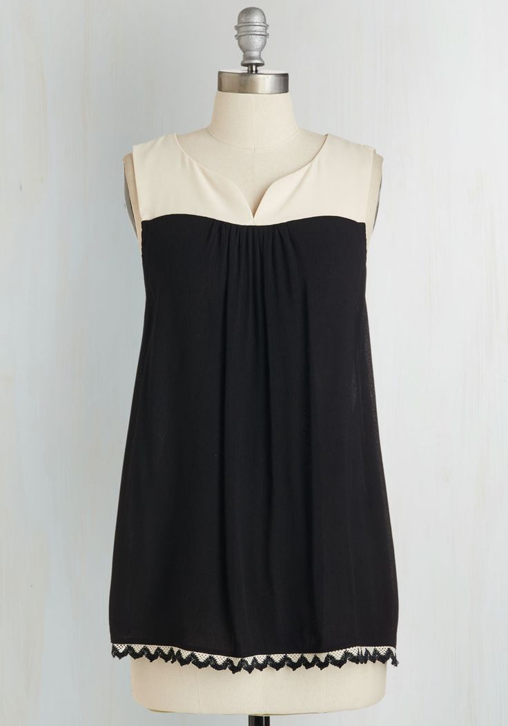 All Plans on Deck Top. From brunch at noon to drinks on the patio at dusk, this black top looks as lovely as you feel! #black #modcloth