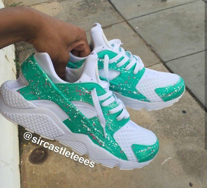 ad1e4087721f IG   sircastleteees Nike Huaraches