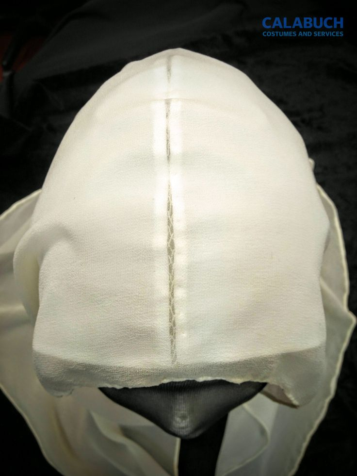 Tutoriales Taller Calabuch Costumes: La toca de Isabel la Católica 4 - Detalle de la Puntada de Escapulario.