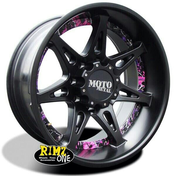 Pink camo rims... I want these on my truck! :)