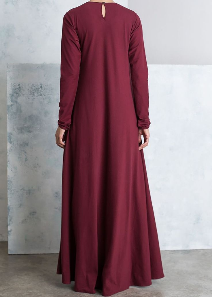 <p>Our signature Mulberry abaya's are back! Our Khaki Mulberry abaya consists of a round neckline with 3 simple yet affective pleats. Sleeves are long with 2 button fastenings on the cuffs.</p>
