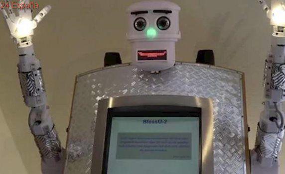 Presentan un robot sacerdote en Alemania que ofrece bendiciones en cinco idiomas