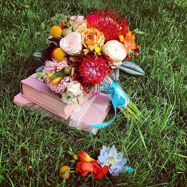 Пестрыш для невесты  #свадьба#суккулент#свадебныйбукет#семья#букет#букетневесты#заказатьбукет#пион#бутоньерка#флорист#флористика#москва#сейчас#wedding#weddingboquet#bride#boquet#bridal#beautifully#bestofinsta#flower#flowerofinsta#florist#followme#peony#instabest#instaflower#awesome#greentime#любимаяработа# #Padgram