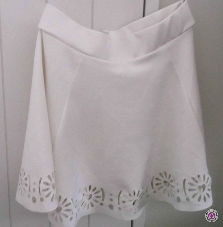 Clotheswap - BEAUTIFUL WHITE SKIRT ~ ONLY WORN ONCE