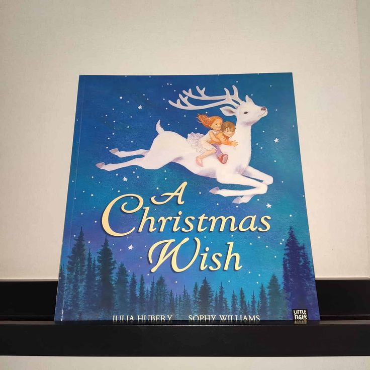 240 Rub A Christmas Wish By Julia Hubery And Sophy Williams Izdatelstvo Little Tiger Press Format 28 0cm X 24 5 Cm Myagkaya Oblozh In 2020 Book Cover Christmas Cover