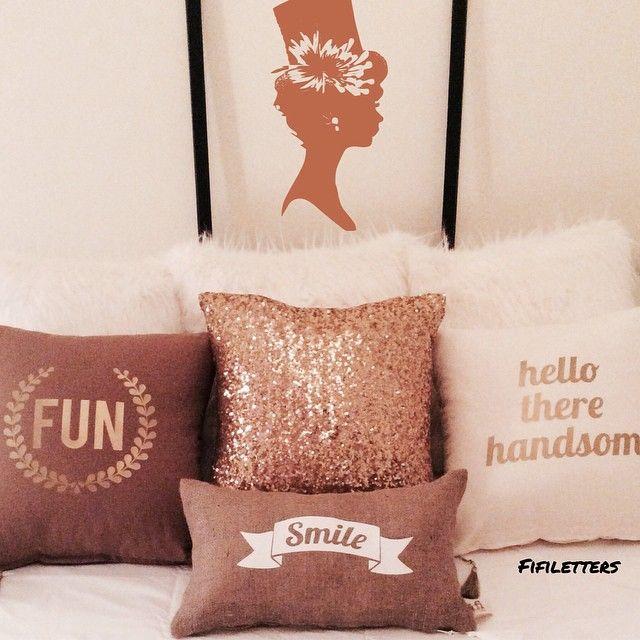 #fifiletters #pillows #yastik #yilbasi #hediye #harf #aydinlatma #lamba #kirmizi #dekorasyon #ev #decoration #tasarim #design #mavi #sarı #yesil #pembe #vintage #kisiyeozel #isim #ampul #siyah #beyaz #kar #kis #winter #snow #family #payet #fun #smile