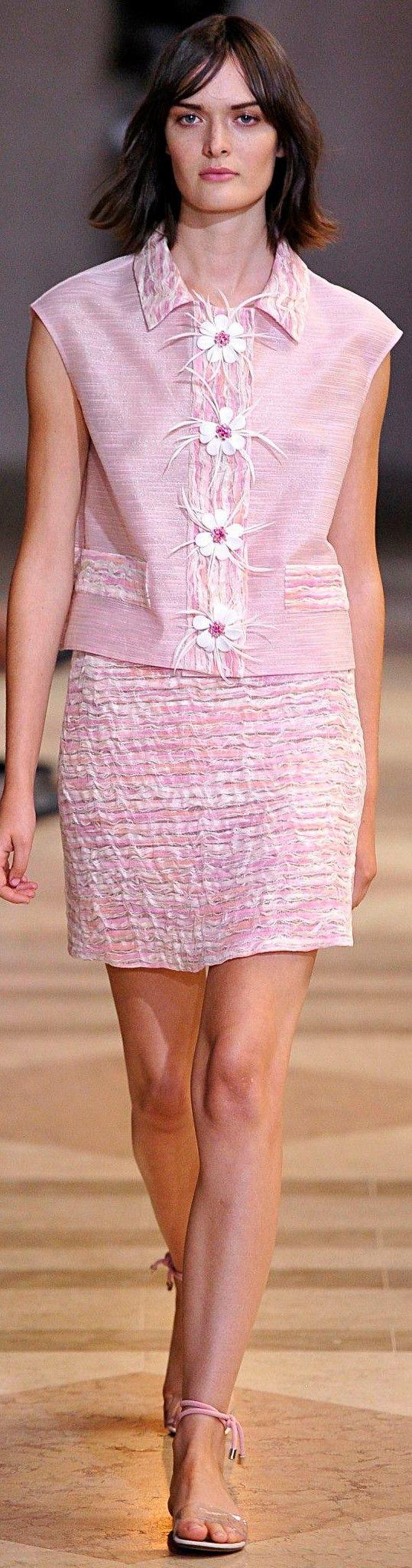 Carolina Herrera Spring 2016 women fashion outfit clothing style apparel @roressclothes closet ideas