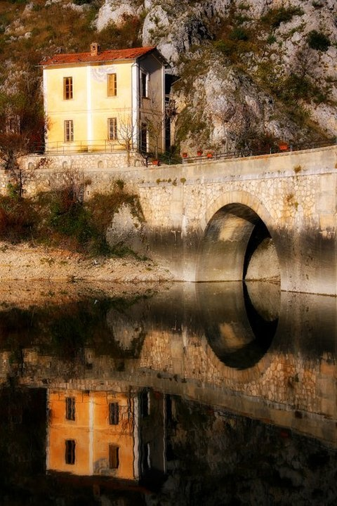 By Paesaggi d'Abruzzo.