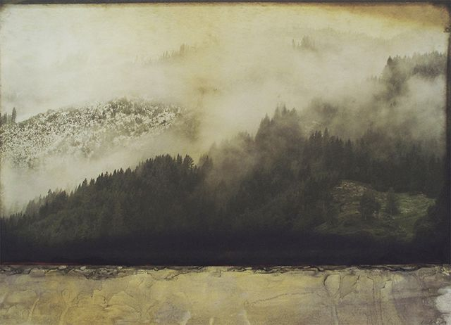 GOLDEN FOG 63x90cm  on paper