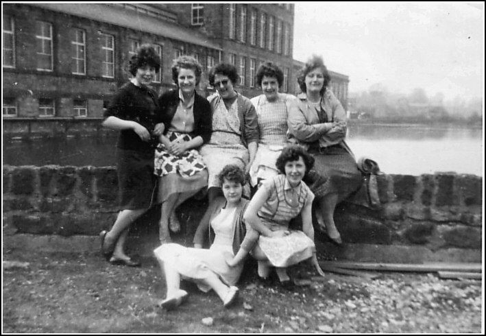 Lowell Mill Girls | Mill girls in front of Bairstows mill and mill dam, taken late 1950s ...