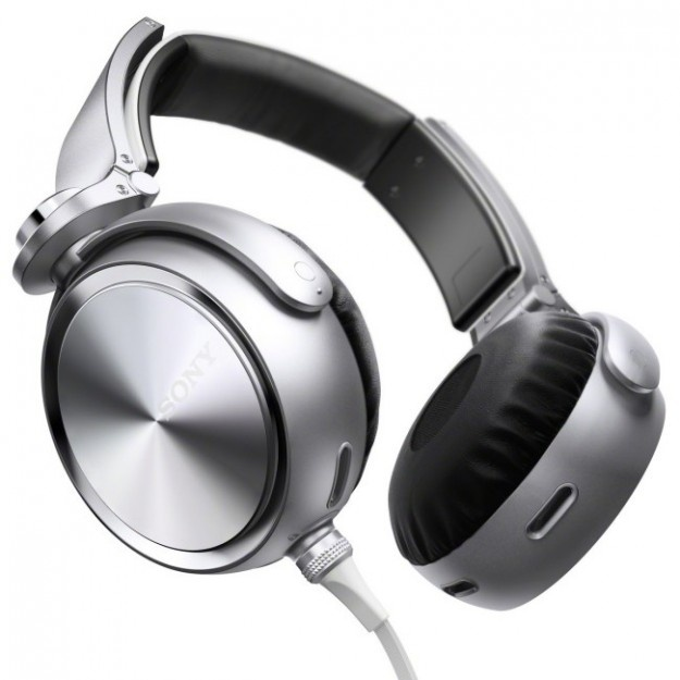 Sony MDR-XB910: Features design headphones | GOILD