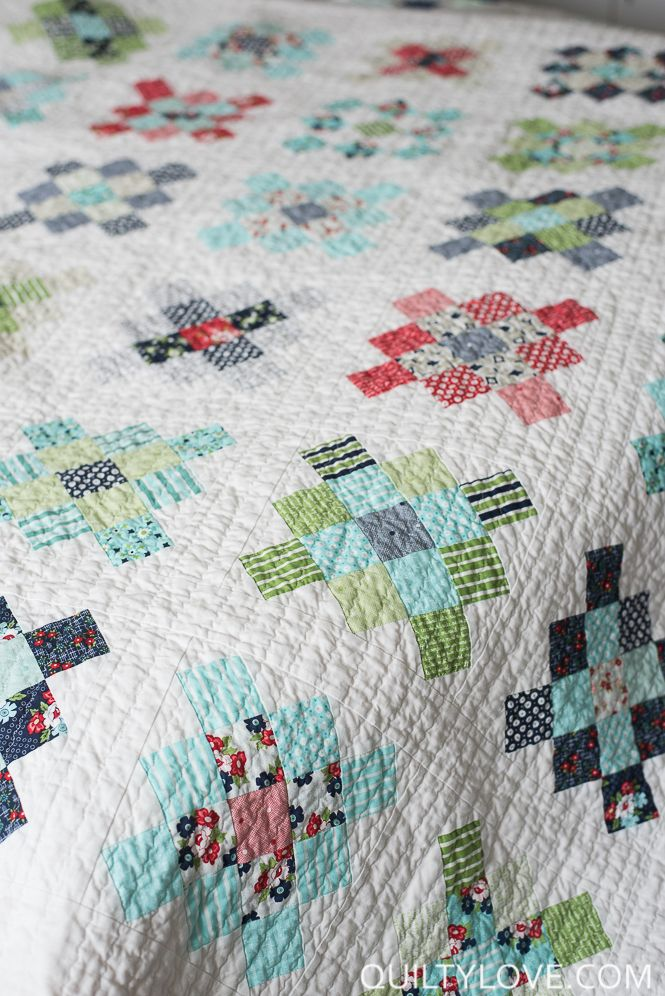 Quilty Love | Scrappy Granny Squares Quilt | http://www.quiltylove.com