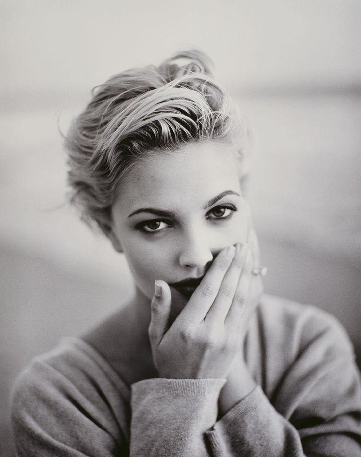 Drew Barrymore 1990s Black And White Short Hair Styles