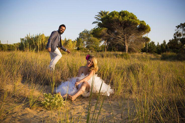 Beautiful photo - Happy couple #weddingphotos #beachwedding #weddingingreece #mythosweddings #kefalonia