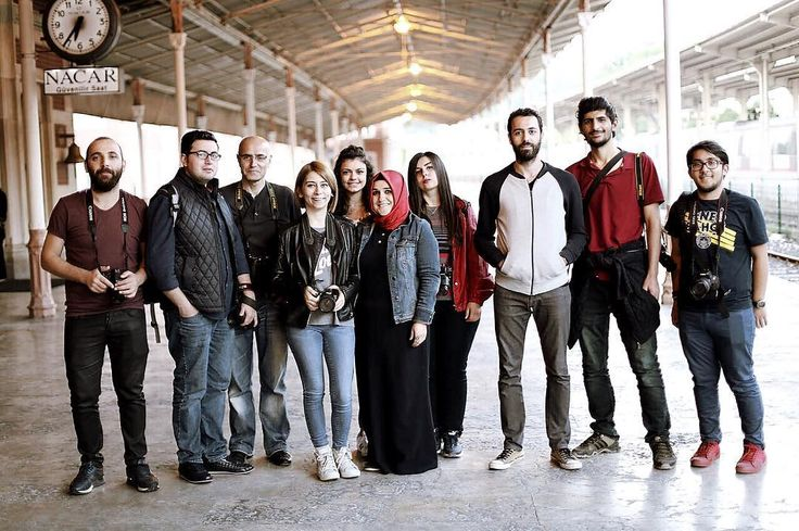 Güzel insanlar, güzel anılar.. ❤️�� . . . . . . .  #istanbul #oan #hayat #hayatakarken #siyah #beyaz #siir #siirsokakta #manzara #gununkaresi #kadrajimdan #sanat #keyif #objektifimden  #aniyakala #fotograf #bugun #izmir #turkobjektif #ankara #canakkale #zamanidurdur #mtravelogg #istanbuldayasam #portre #fotograf #ramazan http://turkrazzi.com/ipost/1523424402246932027/?code=BUkSmwiFxY7