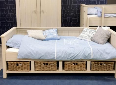 Bedbank uit de collectie trevor van bopita meubels voor for Babykamer sofie bopita