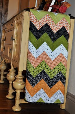 This is a GREAT tutorial....most of the chevron quilts I have pinned are dead…