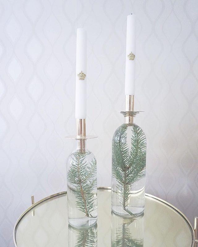 Julpyssel 🌲 så enkelt att bara sätta ner lite granris i en flaska vatten och sätta på en ljuskopp för flaskor 🌲 Enkelt, billigt och väldigt vackert julpynt ⭐️ ni glömmer inte bloggen va? ⭐️ www.designbymirelle.se #christmas